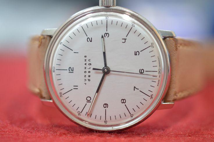 Luxusuhren Ankauf Hamburg bei Goldankauf GE. Wir bewerten Ihre Markenuhren und Golduhren völlig kostenfrei und erstellen Ihnen ein Angebot mit ansprechenden Preise, die sich am aktuellen Marktwert Ihrer Uhr orientieren. Egal ob Sie Rolex, Breitling, Cartier oder Baume Mercier Uhren verkaufen möchten, bei uns sind Sie immer richtig! #Uhrenankauf #Luxusuhren #Rolex #Hamburg