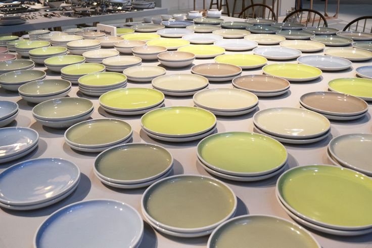 In the area Homisphere some colourful installations stand out: the huge table covered by plates with different shades of pastel colours signed by Sambonet.