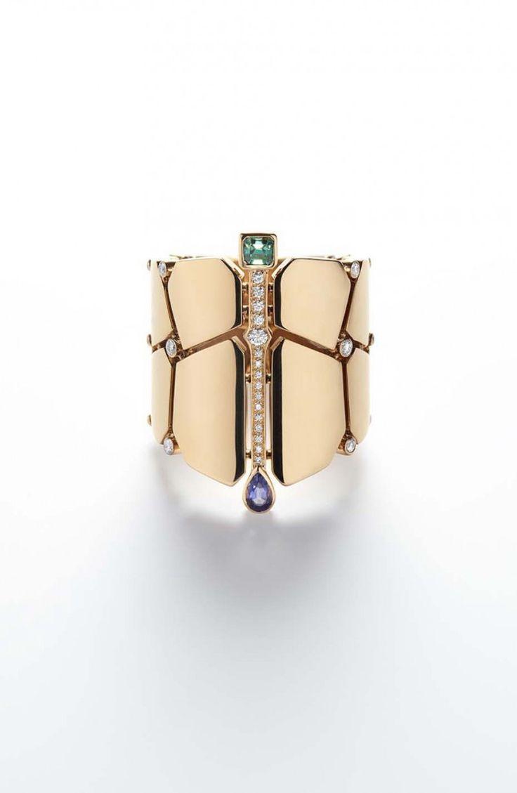 Мифы и тайны Нила в новой коллекции Hermès Niloticus — Jewellery Mag Браслет из розового золота с грушеобразными иолитами, бериллами огранки «багет» и бриллиантами классической огранки.