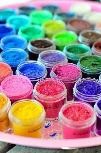 MAC eyeshadow pigments.   I Love Pigments!!!!