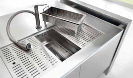 Produzione e vendita di vasche e lavelli in acciaio inox