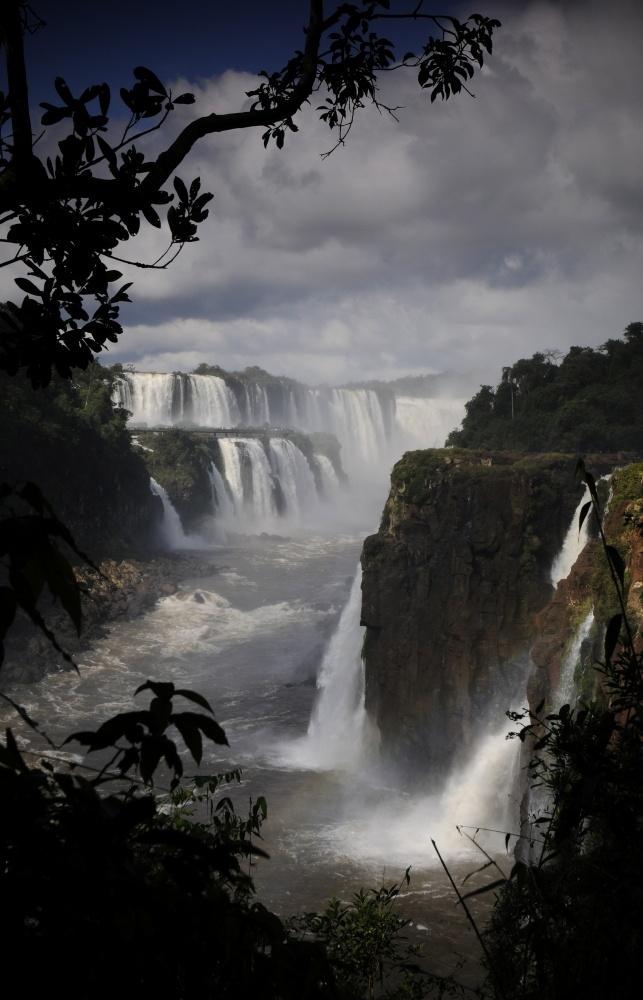 menno alberts, photographer - waterfalls at iguaçu national park, brazil.