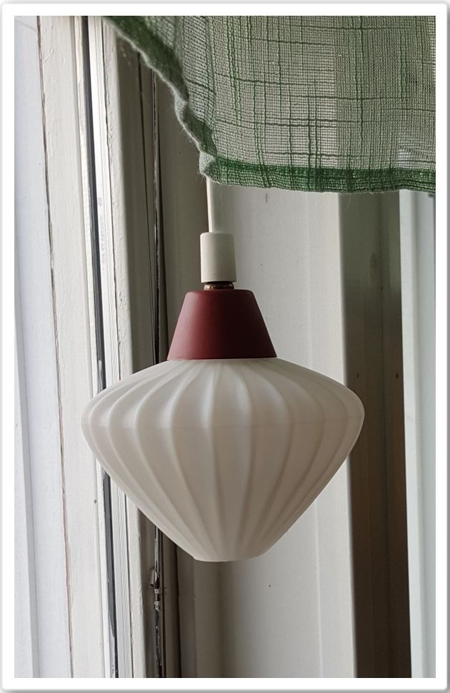 Fönsterlampa köpt på Linne & Lump i laxå för 450kr