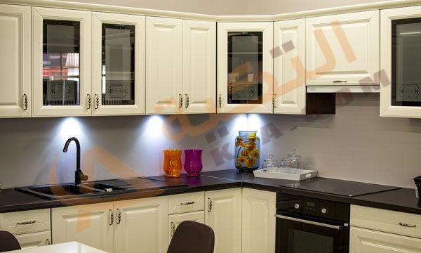 تفسير حلم الخزانة في المنام وهي عبارة مكان لحفظ الأطباق وما يخص أدوات المطبخ ويوجد الكثير من الأشك Kitchen Remodel Small Galley Kitchen Remodel Kitchen Remodel