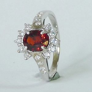 1.88CTs. Genuine Red Garnet in Solid 925 Sterling Silver Ring Size: Q-8                               RI253
