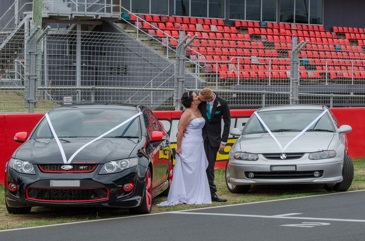 Wedding Photographer - Candid Photos of a Lifetime  the Bride, the Groom, and the wedding cars..  Ford GT and Holden Monaro