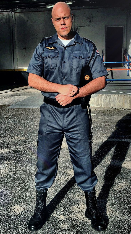 """como Policial Militar (1994) para o filme """"Nada a Perder"""" com Petronio Gontijo."""
