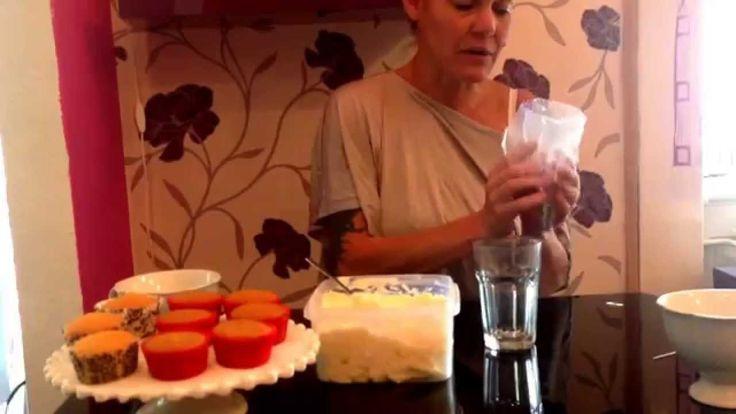 Habzsák előkészítése vajkrémes díszítéshez