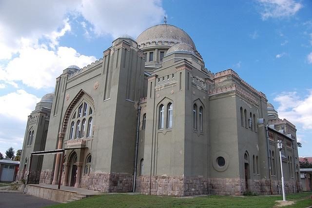 Gyöngyös Synagogue, South-East View by Istvan, via Flickr