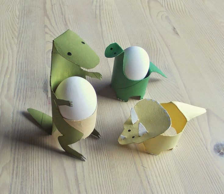Toilet paper roll dinosaur egg cups