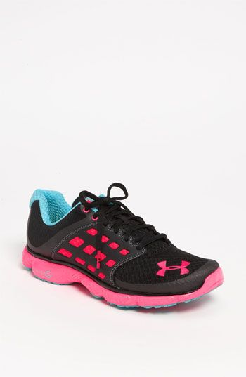 UA W Charged Escape, Chaussures de Running Compétition Femme, Noir (Black), 38 EUUnder Armour