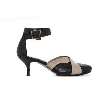 Barcelona, sort og lys beige sko
