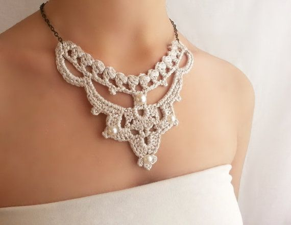 Statement bib Necklace Silver Wedding Pearl Necklace Unusual Jewelry Vintage Style Delicate Necklace Beautiful