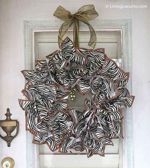 #Wreath made out of napkins. so clever