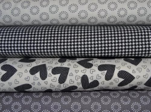 Tissu-Moda-Noir-et-Blanc-Pas-Cher-Lot-de-4-coupons-24x55cm