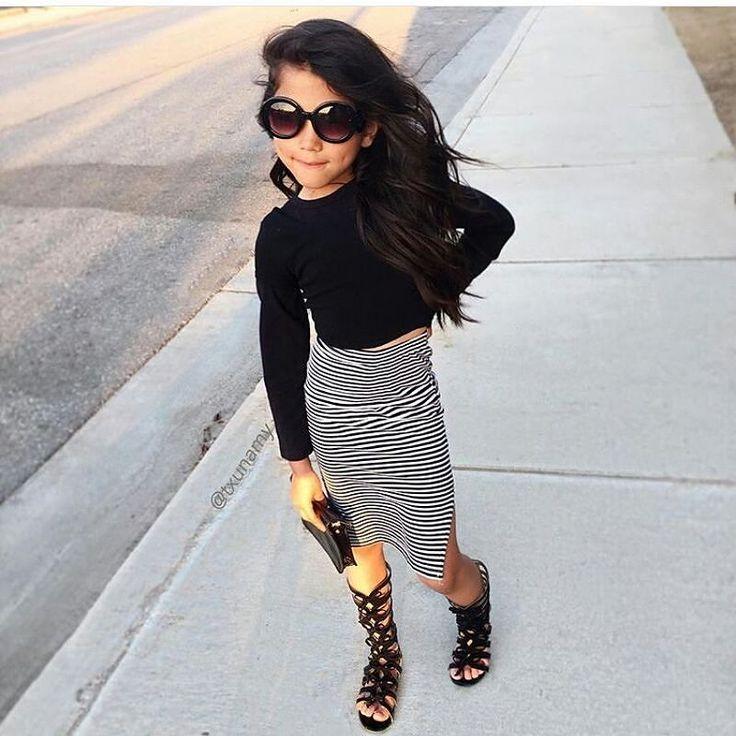 http://www.youtube.com/channel/UCqEqHuax3qm6eGA6K06_MmQ?sub_confirmation=1 Girly #ootd #wear #tshirt #black #skirt #white #fashion #fashionista #style #stylish #girl #hair #pretty #beautiful #heelslover #heels #love #fashionblogger #fashionaddict #fashionable #sunglasses #bag #littlebag #txunamy #girly by heels_love_