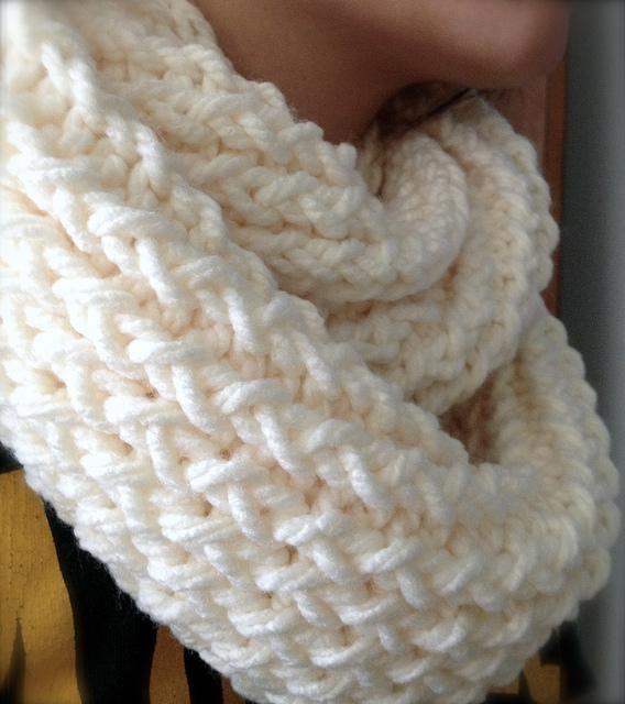 DIY Knitting DIY Yarn DIY use a Knitting Loom to make an Infinity Scarf