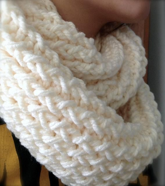 DIY Knitting DIY Yarn DIY use a Knitting Loom to make an Infinity Scarf