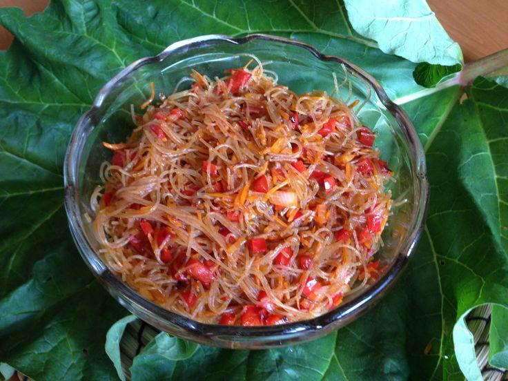 Glasnudelsalat, super lecker  #essen #kochen #vegetarisch #salat #nudeln #nudelsalat #rezept #jernrive #eat #food #salad #yum #yummy #grillen #party