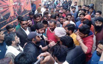 Sanjay Leela Bhansali faced heavy protest during film ' Padmavati ' shooting in Jaipur !!