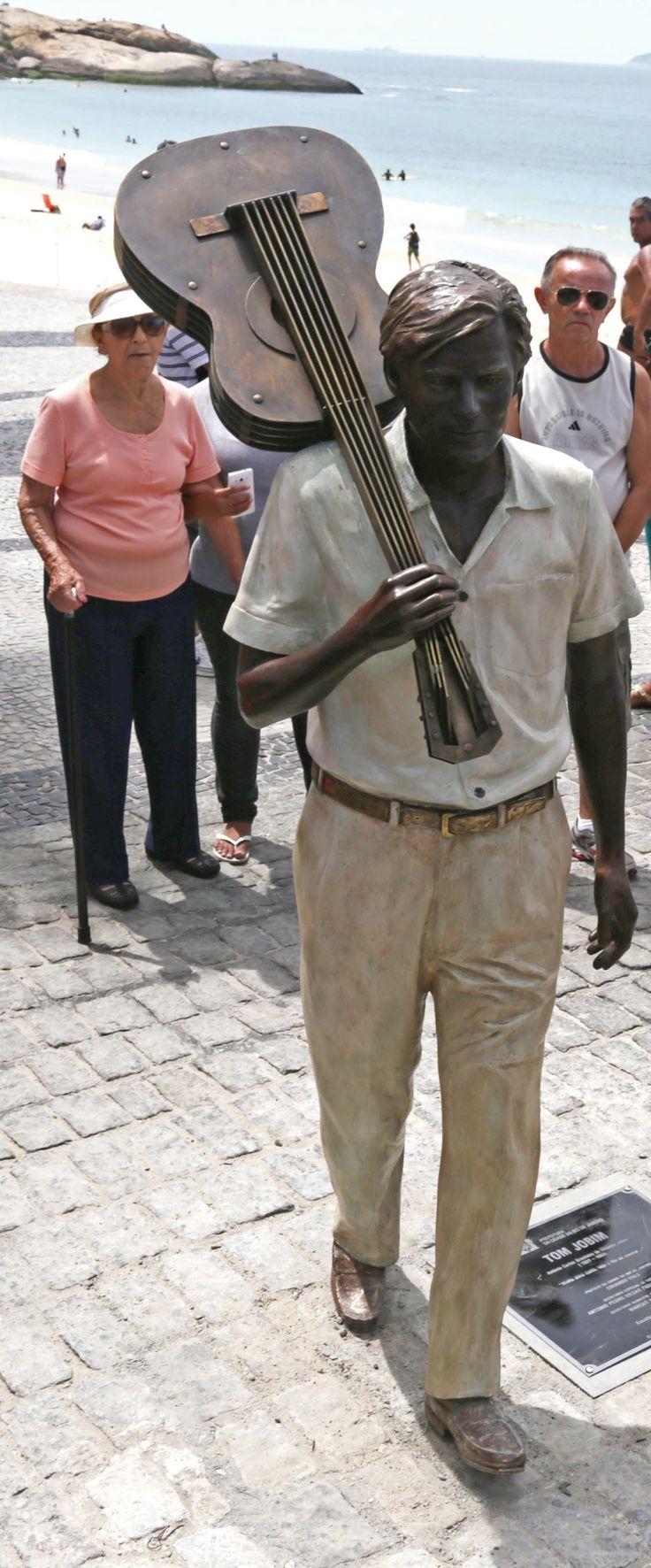 statue of musician and composer Antonio Carlos Jobim