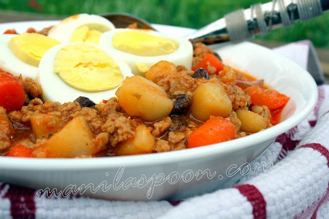 GROUND PORK MENUDO ==INGREDIENTS==2T Olive oil, 6-8 Garlic cloves, 1 medium Onion, 2 Plum tomatoes, 1 lb ground Pork, 2T, Fish sauce (or Worcestershire Sauce), Ground Black Pepper, 1c, chicken broth (or water), 2 red skin Potatoes,  1 medium Carrot, 1/2 red Bell Pepper, ½c Raisins (alt. you may use peas), 1/3c Ketchup* or Tomato Sauce, brown sugar ========