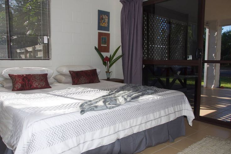 Master bedroom with king size bed. #port #douglas #holiday #homes #rental #houses