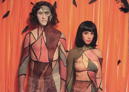Gotye (featuring Kimbra) couples costume.  Ranging from the 5 minute costume to some that will take a little more planning, these adult Halloween costumes are bound to get a few laughs at the party. Get inspired by the following Halloween costume ideas and don't settle for  a disappointing and unoriginal costume – why feel like a weeny on Halloweeny? - See more at: http://blog.nextdayflyers.com/22-easy-funny-halloween-costume-ideas-2014