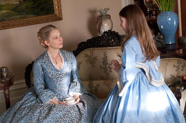 Anastasia Griffith as Elizabeth Haverford inCopper (TV Series, 2012).