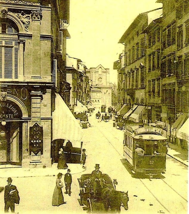 1930: Via Panzani that from Duomo goes to the Santa Maria Novella area