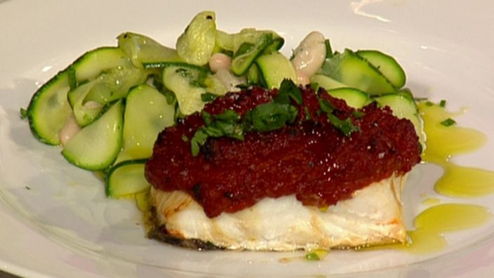 Fillet of cod with a spicy red pesto
