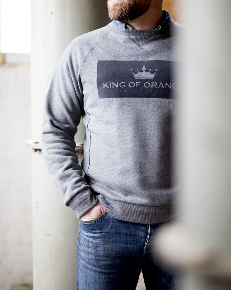 King of Orange Willem Frederick sweater. Dark grey. Price: 120,-