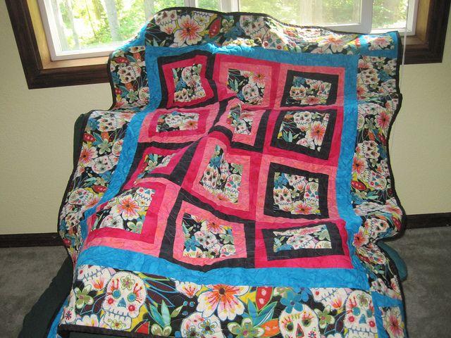 47 best Dia de los Muertos Quilt Ideas images on Pinterest ... : day of the dead quilt pattern - Adamdwight.com