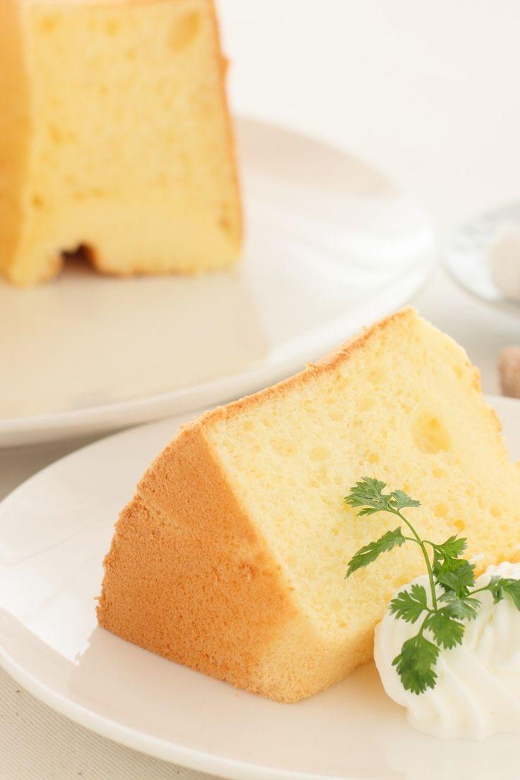 Recipe including course(s): Dessert; and ingredients: cake flour, cream of tartar, egg, lemon extract, lemon zest, salt, sugar, water