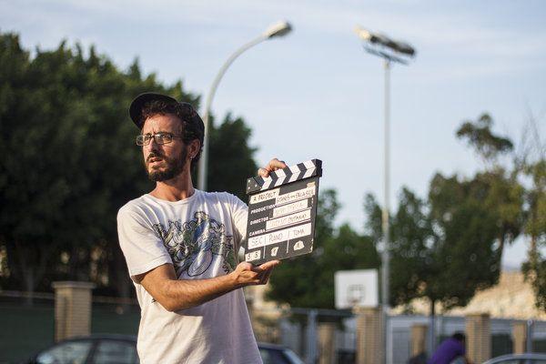 #FILM #DOCUMENTAL #CORTOMETRAJE #CROWDFUNDING - Gitanos con Palabra es un proyecto socio-cultural ideado y desarrollado por un grupo de jóvenes amigos, gitanos y no gitanos, de Almería que pretende contribuir a cambiar la imagen estereotipada de las personas de etnia gitana. claqueta acción clapperboard action +info http://www.facebook.com/gitanosconpalabra Crowdfunding verkami http://www.verkami.com/projects/6106-gitanos-con-palabra