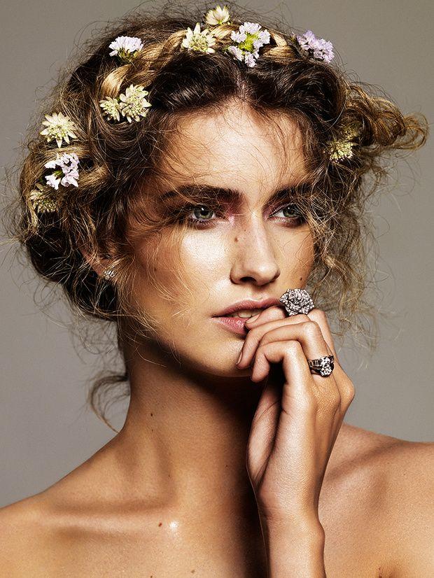 #flower #crown #romantic #natural #hairstyle #hairdo