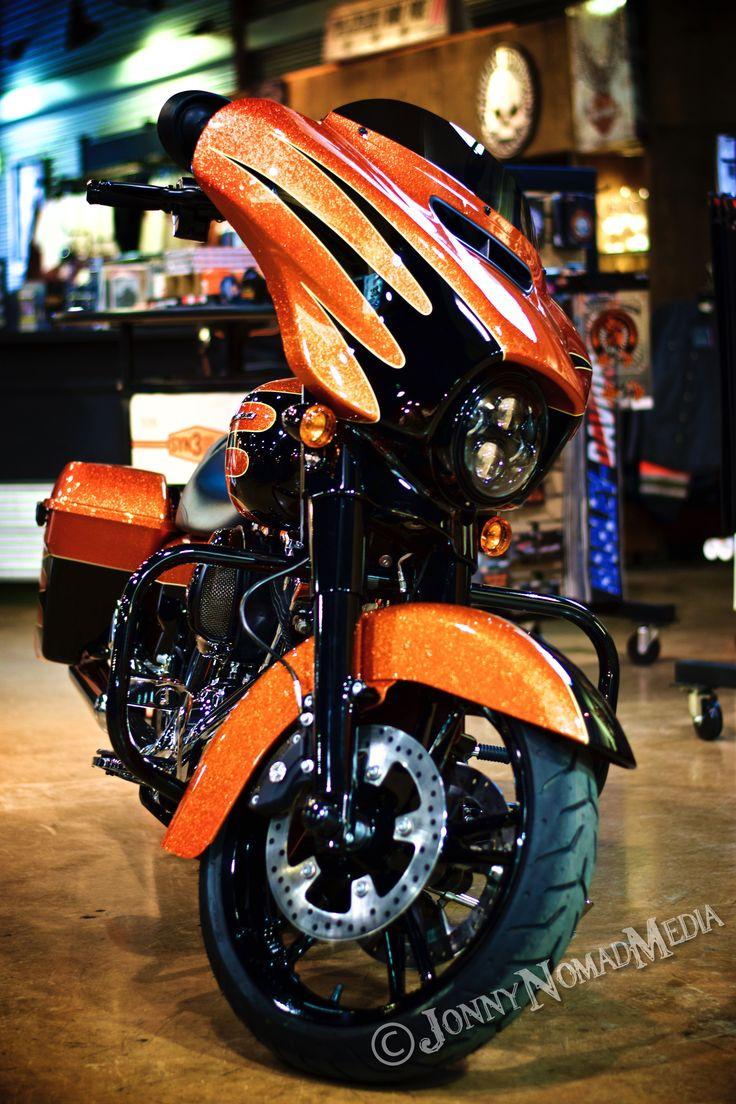 Gorgeous Harley-Davidson Street Glide with Custom Shop paint set!