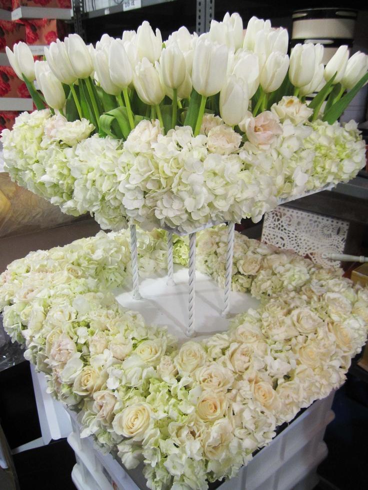 wedding decorations; wedding flower arrangement, wedding centerpiece
