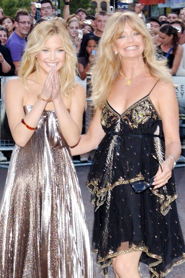 Famous & Gorgeous Mother -Daughter duo Kate Hudson & Goldie Hawn