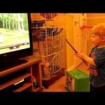 Adorable Toddler Thinks He Can Control the TV With His Magic Wand [VIDEO]  #SoJO #Magic #News