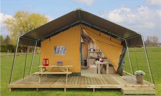 FarmCamps: logeren bij de boer in luxe safaritenten op diverse locaties in Nederland. Hooi Hooi!