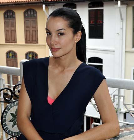 Nadya Hutagalung keepin' it classy at 38.