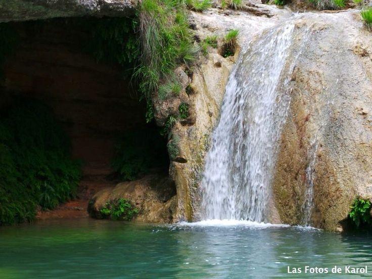 Agua clara.  #lago #cascada #piedra #paisaje