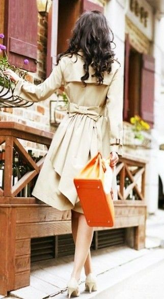 Bow trench coat: Cute Coats, Style, Dresses, Trenchcoat, Jackets, Bows Back, Trench Coats, Orange Bags, Back Details