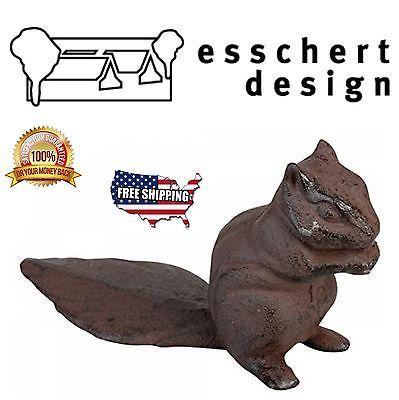 M s de 25 ideas incre bles sobre esschert design en pinterest patios de apartamento peque o - Cast iron squirrel door stop ...