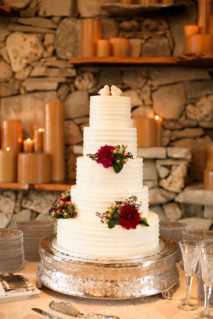 wedding cakes falling over 17 best images about wedding cakes on pretty 24342