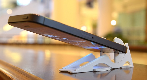 The Pocket Tripod wallet size iPhone stand by Rambod Radmard & Geometrical Inc.
