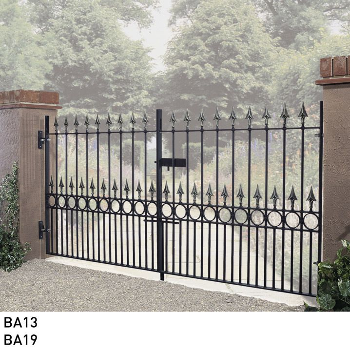 Best 25 metal driveway gates ideas on pinterest iron for Aluminum driveway gates prices