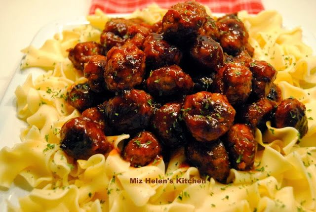 Miz Helen's Country Cottage: Bar B Que Meat Balls with Sauce pinned from Rock N Share #65