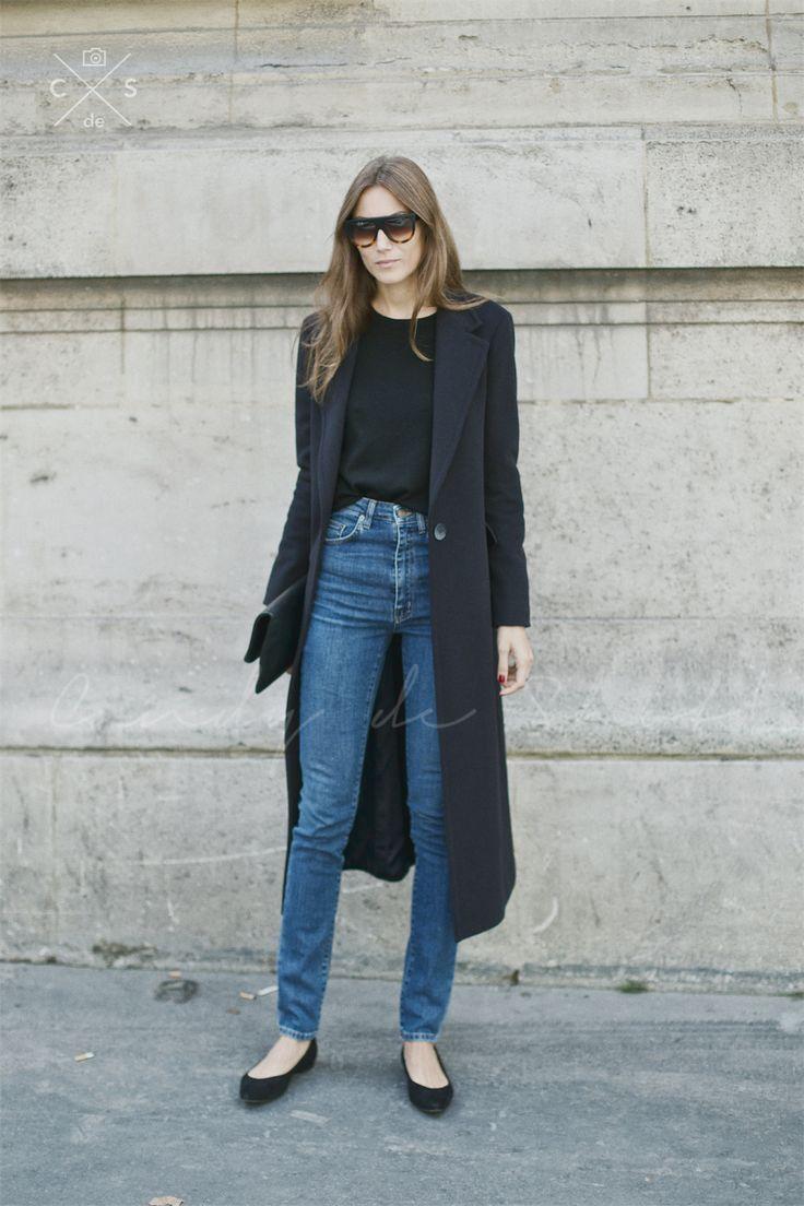 High-waist denim + long coat.